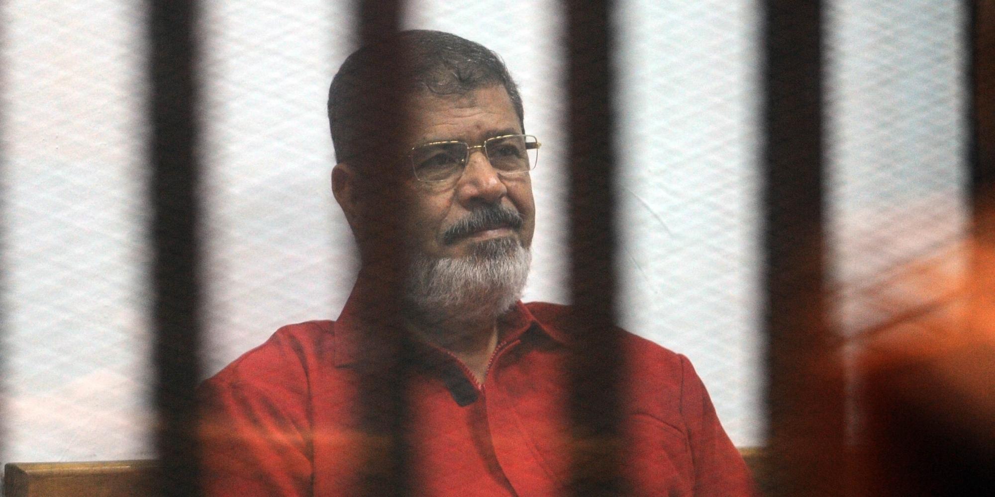 Photo of محكمة النقض تلغي حكم الإعدام بحق الرئيس المصري