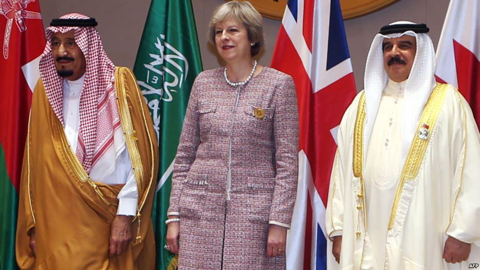 Photo of إيران تستدعي السفير البريطاني اعتراضا على تصريحات ماي