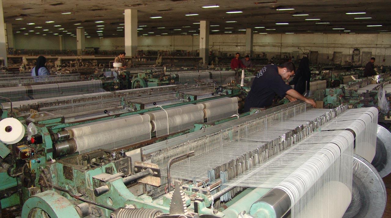 Photo of الحكومة تتجه لتثبيت العمال المؤقتين نهاية العام الجاري
