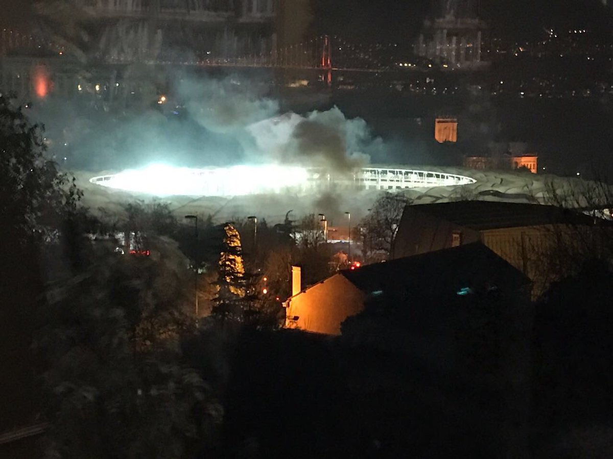 Photo of مقتل 35 شخصا وإصابة العشرات في تفجيرين وسط مدينة اسطنبول