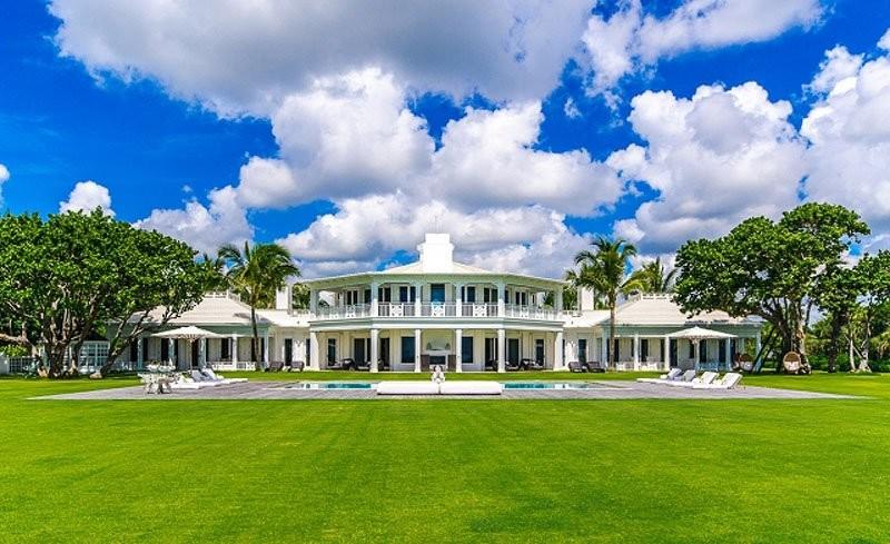 Photo of لا أحد يريد شراء قصر سيلين ديون الفخم في فلوريدا!