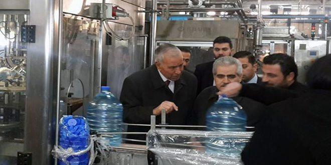 Photo of وزير الصناعة من معمل تعبئة مياه الفيجة: يجب رفع طاقة الإنتاج لتلبية طلب السوق المحلية