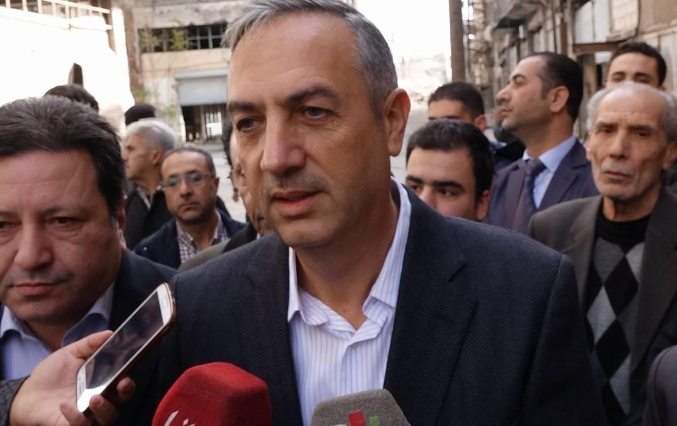 Photo of محافظ ريف دمشق يعلن استمرار العمل لإنجاز مصالحة محلية في وادي بردى
