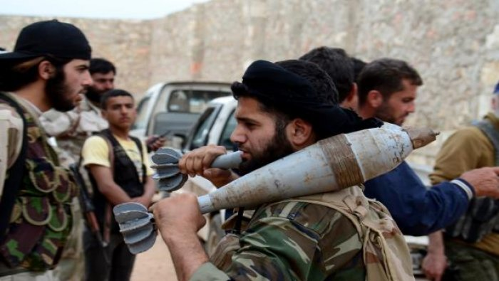 "Photo of مسلحو ريف حلب يطلقون قذائف ""الرحمة"" على الهدنة"
