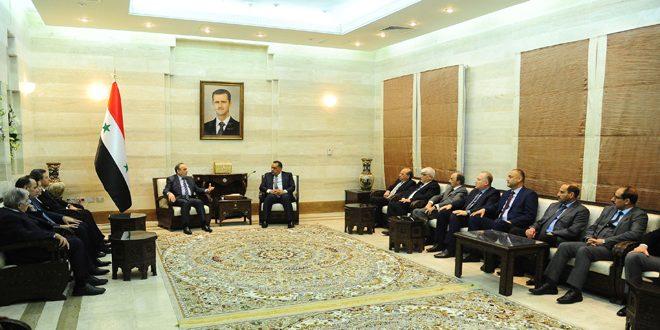 Photo of خميس: سنقدم التسهيلات .. وتجار عراقيون: أسواقنا مفتوحة ونريد آلية لوصول البضائع السورية إليها