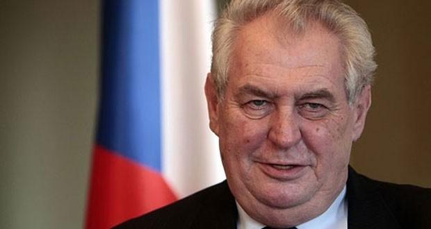 Photo of الرئيس التشيكي: السياسيون الأوروبيون جبناء