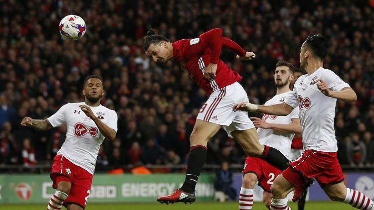 Photo of مورينيو يحرز لقبه الأول مع مانشستر يونايتد