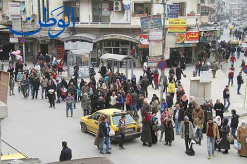 صورة شح المازوت ومعاناة المواطنين في النقل الداخلي بحماه