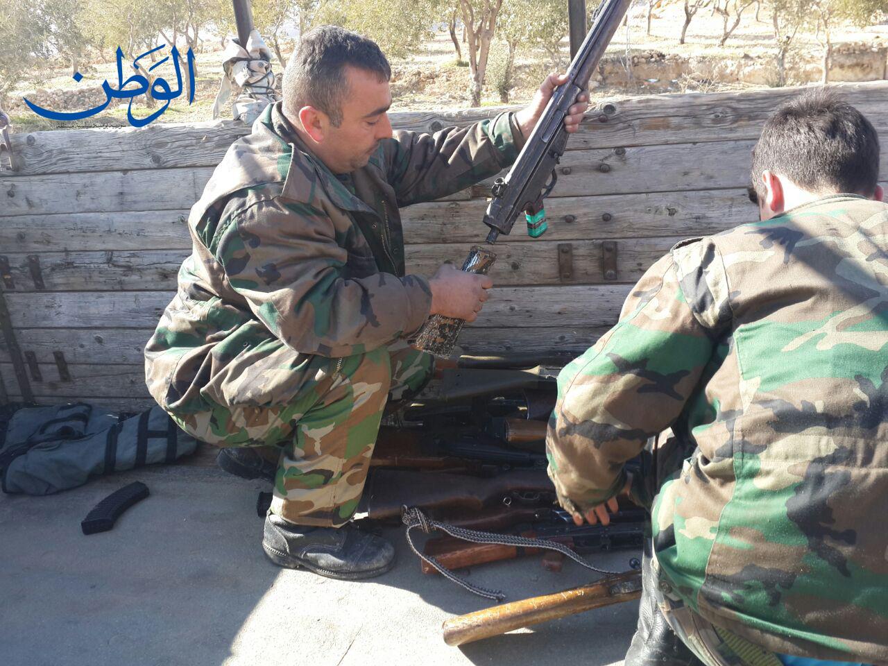 صورة بالصور.. تسوية أوضاع مسلحين وتسليم أسلحتهم في وادي بردى