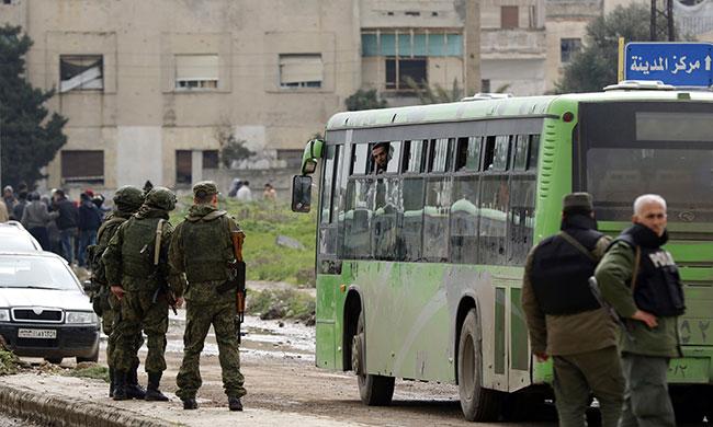 Photo of بدء تطبيق اتفاقية الوعر بحمص .. ومؤسسات الدولة ستعود قريباً