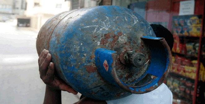 Photo of 60 يوماً للحصول على أسطوانة الغاز في طرطوس ..عشرات الشكاوى من المواطنين والمعتمدين ..ومحروقات لا جواب!