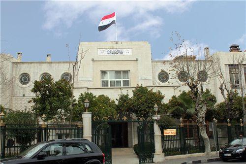 Photo of وزارة الصحة السورية تسمح استثنائياً لأهالي ضحايا انفجار بيروت بدخول الأراضي السورية