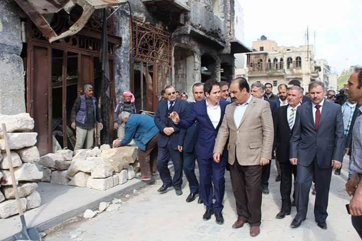 Photo of الهلال يرافقه وفد وزاري يتفقدون واقع العمل في عدد من مشاريع إعادة الاعمار والبناء في حلب