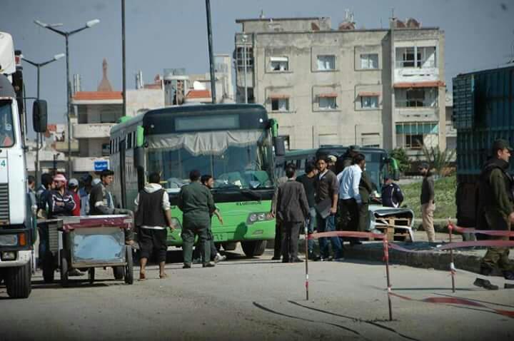 Photo of انتهاء عملية خروج الدفعة الخامسة من مسلحي الوعر باتجاه جرابلس