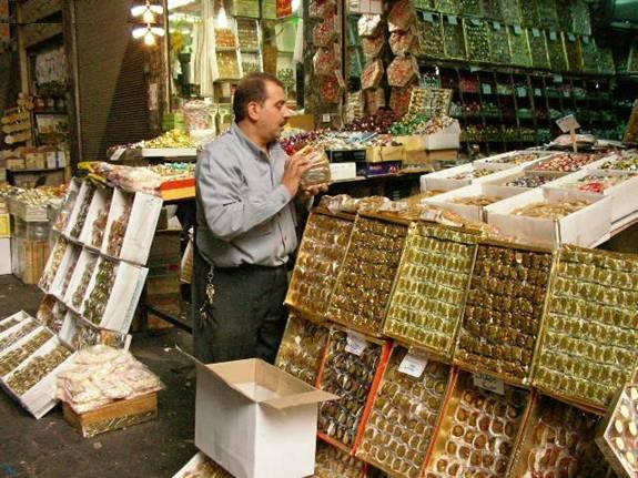 Photo of وزارة التجارة الداخلية تشدد الرقابة على الحلويات والألبسة قبل حلول رمضان