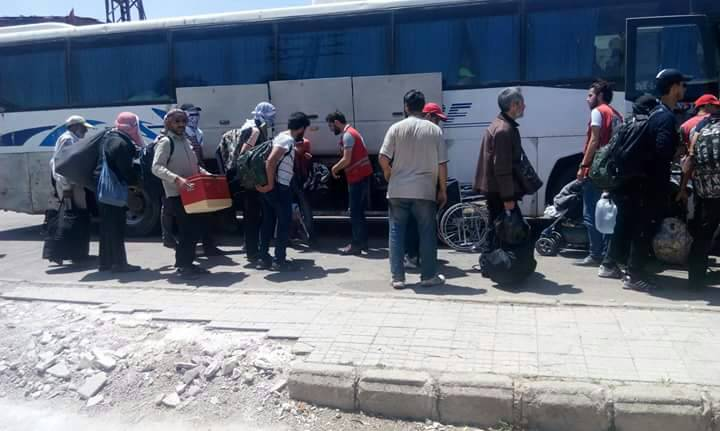 Photo of خروج الدفعة ما قبل الأخيرة من حي الوعر باتجاه إدلب