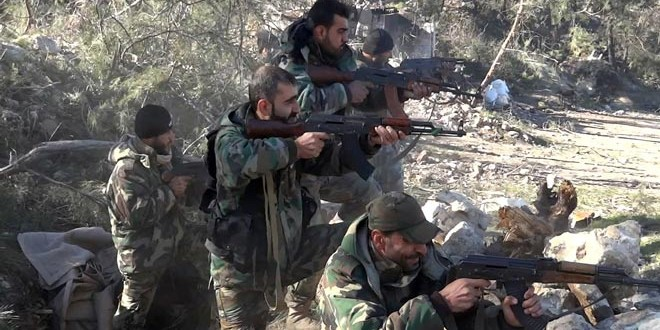 "Photo of الجيش يصد محاولة تسلل لـ""داعش"" باتجاه تلول الهوى ويفكك شاحنة مفخخة بالوعر"
