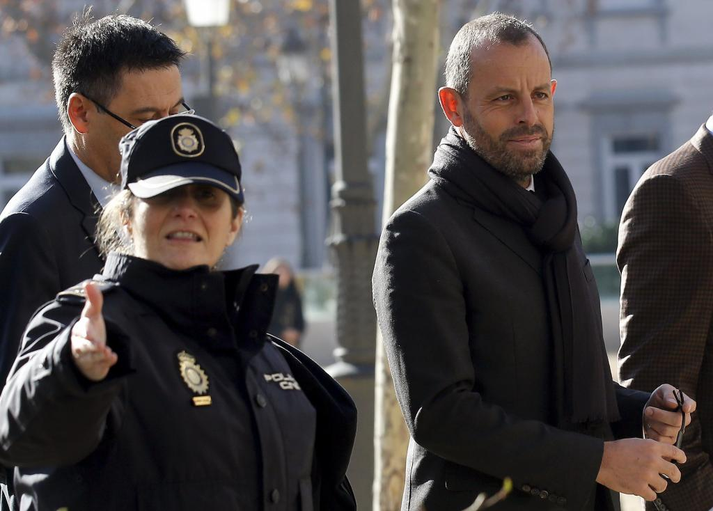 Photo of رئيس نادي برشلونة السابق في قبضة العدالة