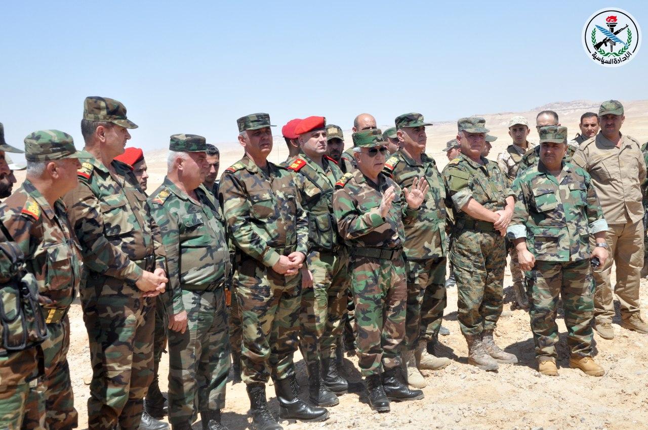 Photo of بتوجيه من الرئيس الأسد.. العماد علي أيوب يتفقد ميدانيا تدمر وريفها