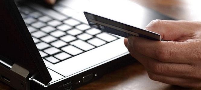 صورة الحلاق: الشركات التجارية لم تعتمد الدفع الالكتروني لحجب مبيعاتها
