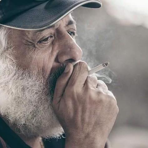 """Photo of أيمن زيدان للسوريين"""" هنا فقط حقيقتك وحكاياتك …من يهجر رحمه لن يعرف معنى الحياة """""""