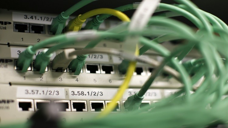 Photo of وزير الاتصالات لـ«الوطن أون لاين»: خصم 25% لمدة شهرين لمشتركي الانترنت