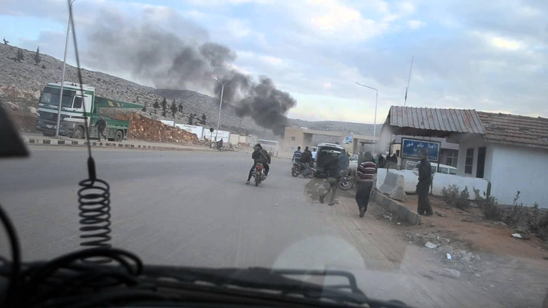 """Photo of """"النصرة"""" تضغط للاستيلاء على """"باب الهوى"""""""