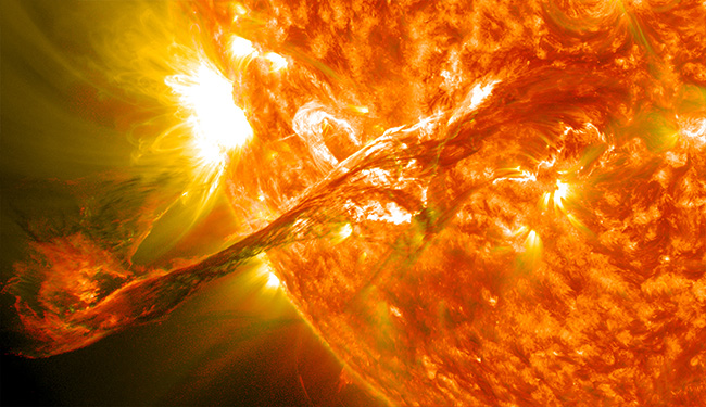 Photo of انفجار شمسي يثير عاصفة مغناطيسية تضرب الأرض