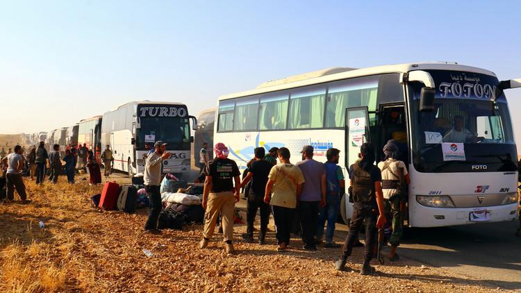 Photo of إتمام عملية تبادل أسرى المقاومة مع إرهابيي النصرة في معبر السعن