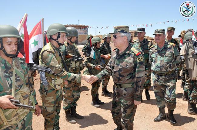 Photo of بتوجيه من الرئيس الأسد.. العماد أيوب يزور وحدات للجيش في ريفي السويداء والقنيطرة