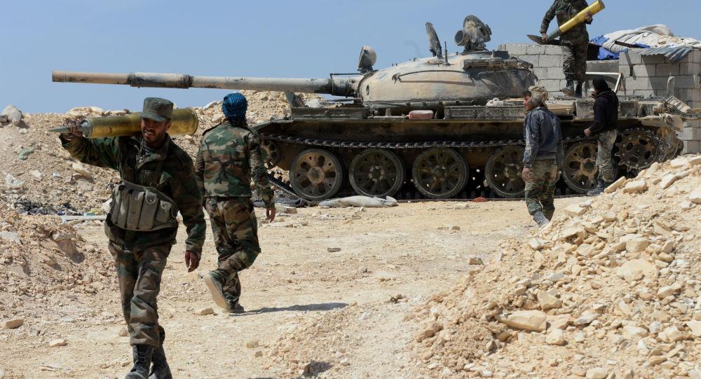 Photo of الجيش السوري يسيطر على حقل التيم النفطي بريف دير الزور