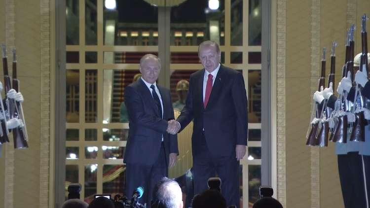 Photo of بوتين يصل إلى تركيا والملف السوري على طاولة المباحثات