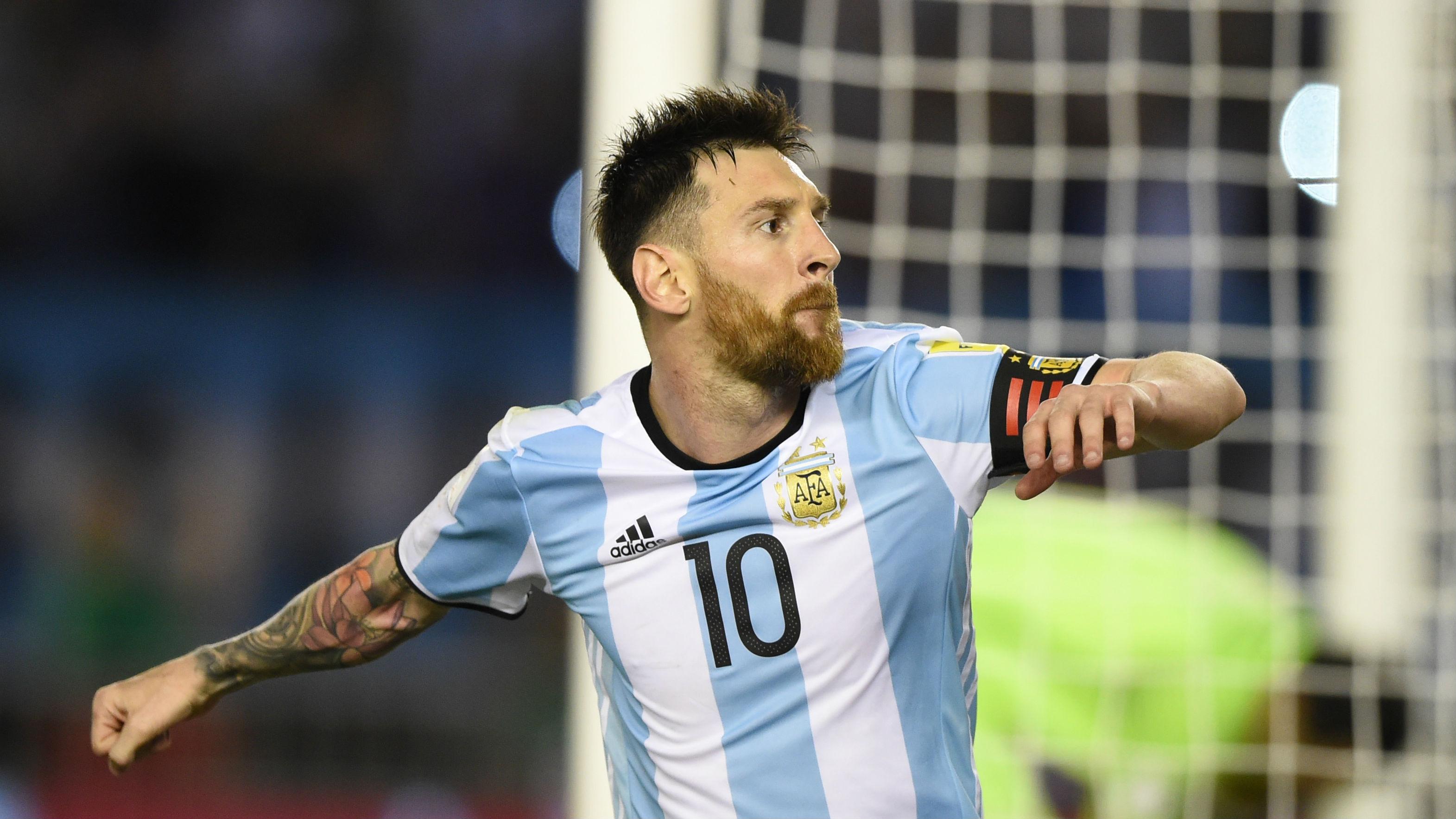 صورة ميسي يقود الأرجنتين إلى روسيا.. والولايات المتحدة تغيب عن المونديال