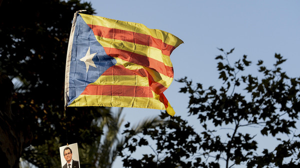 Photo of برشلونة تعلن الاستقلال وتفسح المجال للحوار