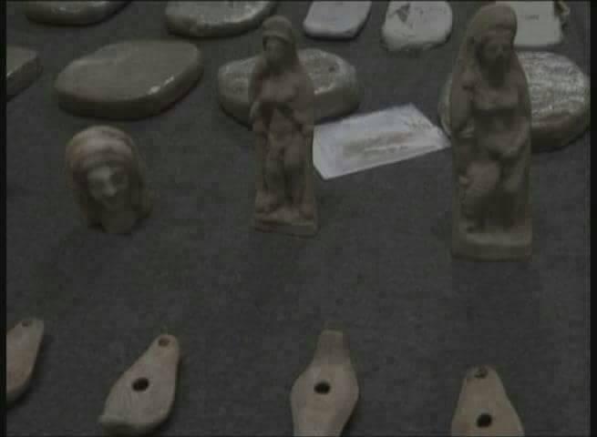 Photo of ضبط 20 كغ من الحشيش المخدر و50 قطعة أثرية معدة للتهريب خارج القطر