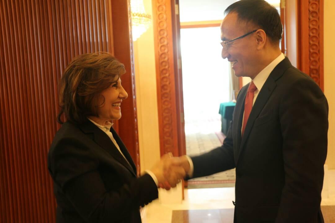 """Photo of شعبان تلتقي مساعد وزير الخارجية الصيني: """"التحالف الدولي"""" عمل على إطالة أمد الأزمة السورية"""