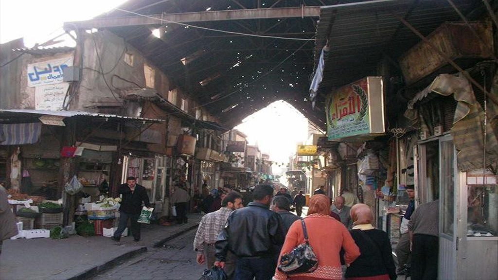 Photo of شراء وبيع وهميان بين مستفيدين من قروض جمعيات ومحال تجارية في الحريقة