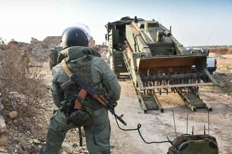 صورة وحدات الهندسة الروسية: كل شبر من الأراضي المحررة في دير الزور سيفتش