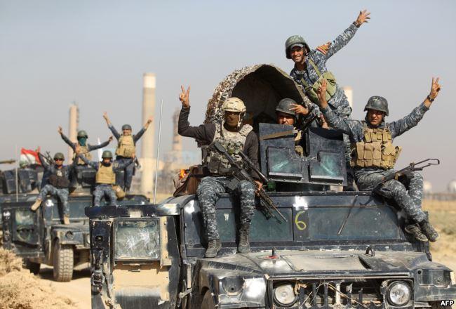 Photo of القوات العراقية تكشف سبب التحشيد العسكري على الحدود مع سورية