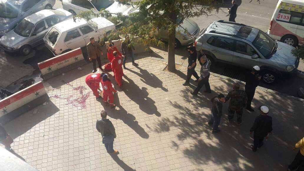 صورة استشهاد شخصين وإصابة 7 آخرين إثر سقوط قذائف على منطقة العباسيين بدمشق