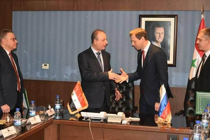Photo of وزارة النفط توقع على خارطة طريق لتنفيذ مذكرات النوايا مع شركة روس جيولوجيا الروسية