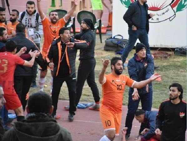 Photo of أعمال شغب واشتباكات.. أبطالها جمهور ولاعبي الوحدة والاتحاد!