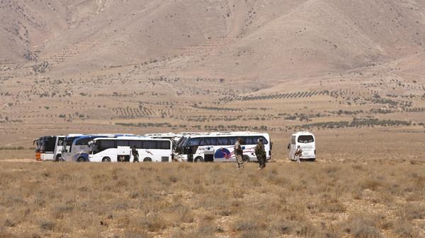 Photo of خروج 4 حافلات تقل إرهابيين من بيت جن إلى إدلب