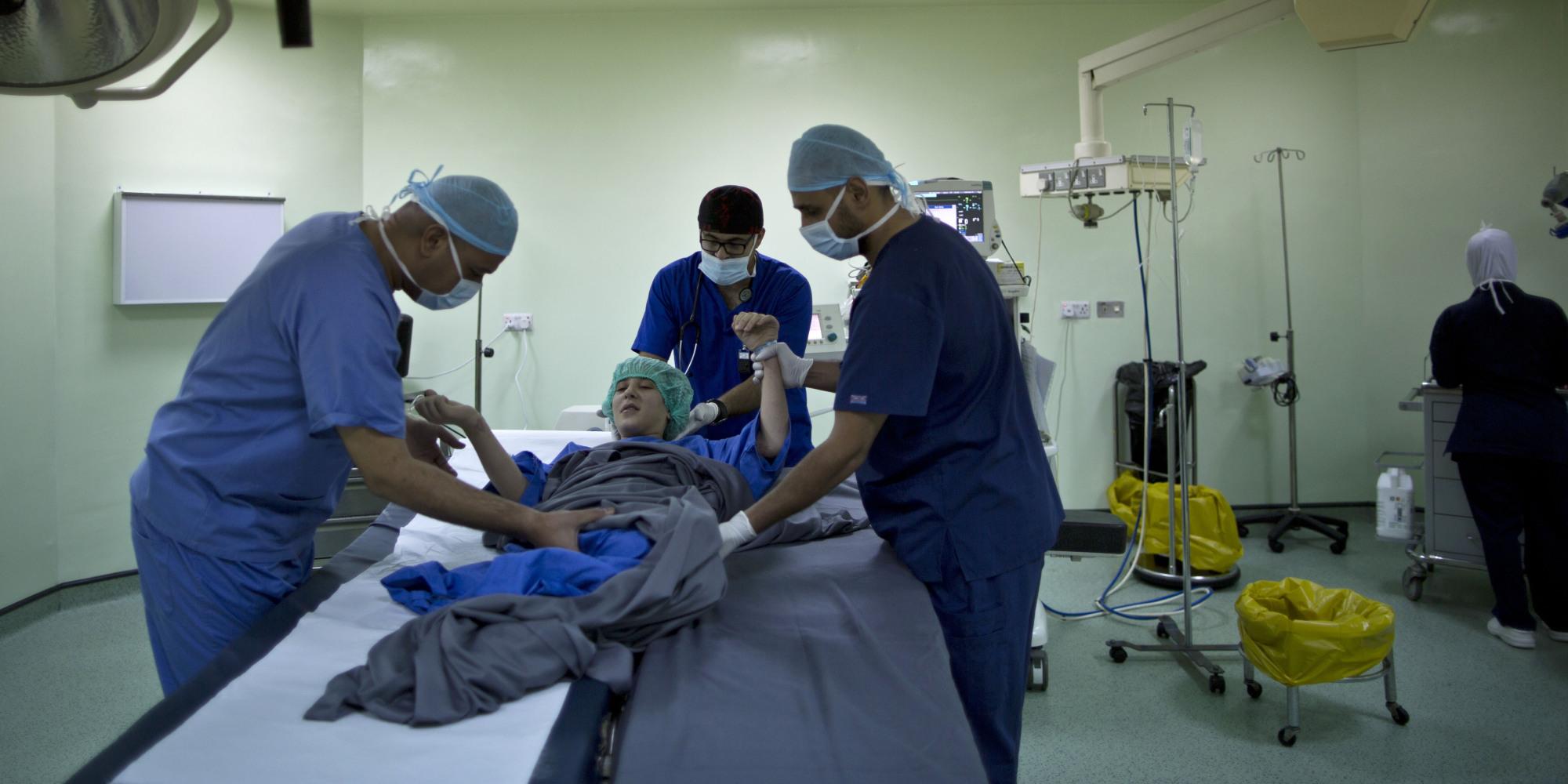 Photo of ألمانيا أكثر الدول استقبالاً للأطباء السوريين
