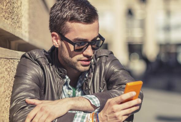 Photo of الهواتف الذكية تؤثر على عقل الانسان وجسده