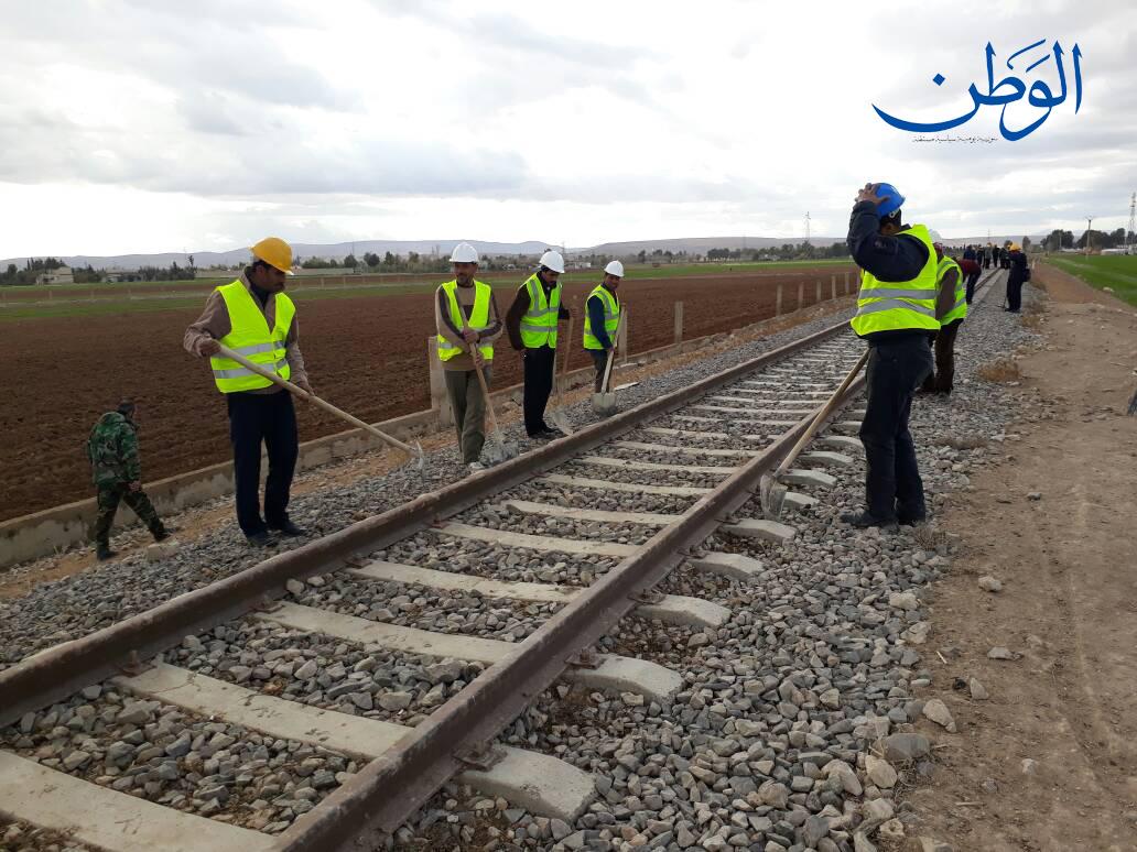 Photo of بالصور.. وزارة النقل تباشر بتنفيذ خط سككي إلى مدينة المعارض