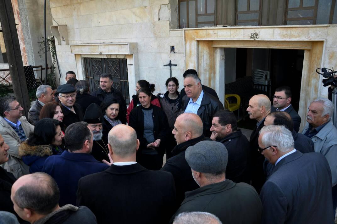 "Photo of محافظ حمص لـ""الوطن أون لاين"": الإسراع بتقديم الخدمات الأساسية للمناطق المتضررة وإعادة السكان إليها"