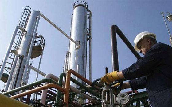 Photo of 20 ألف برميل نفط و16 مليون م3 غاز يومياً حصيلة وزارة النفط في 2017