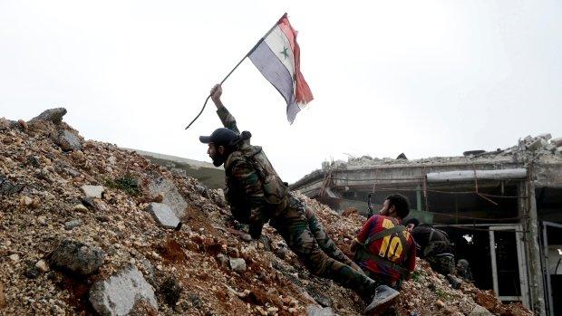 """Photo of سنجار تفصل الجيش السوري عن """"أبو الظهور"""" العسكري"""