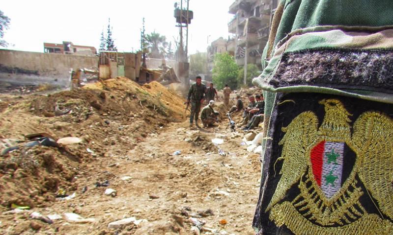Photo of الجيش السوري يفك الطوق عن إدارة المركبات بحرستا ويواصل تطهير المنطقة